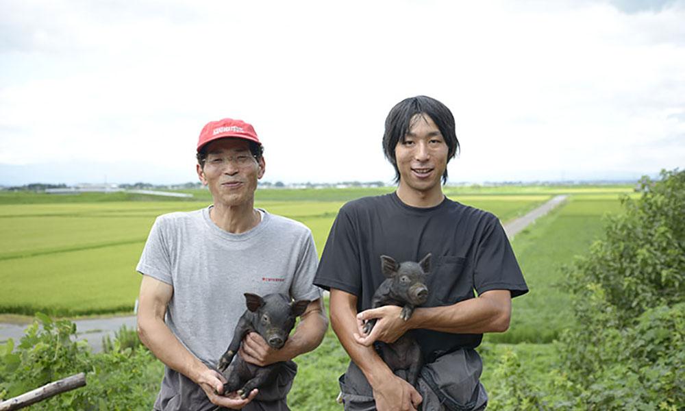 丹精込めて育てています 伊藤農場の最上級豚肉